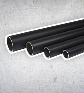 schwarzen Stahlrohren